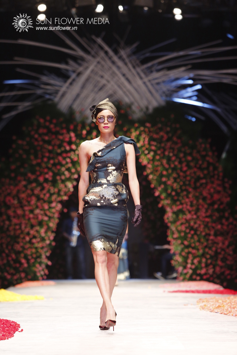phuong-my-vietnam-international-fashion-week2015_14_7593
