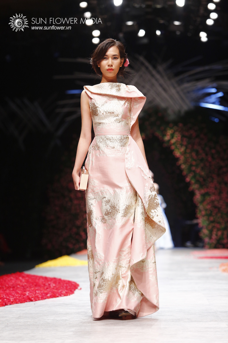 phuong-my-vietnam-international-fashion-week2015_14_7664