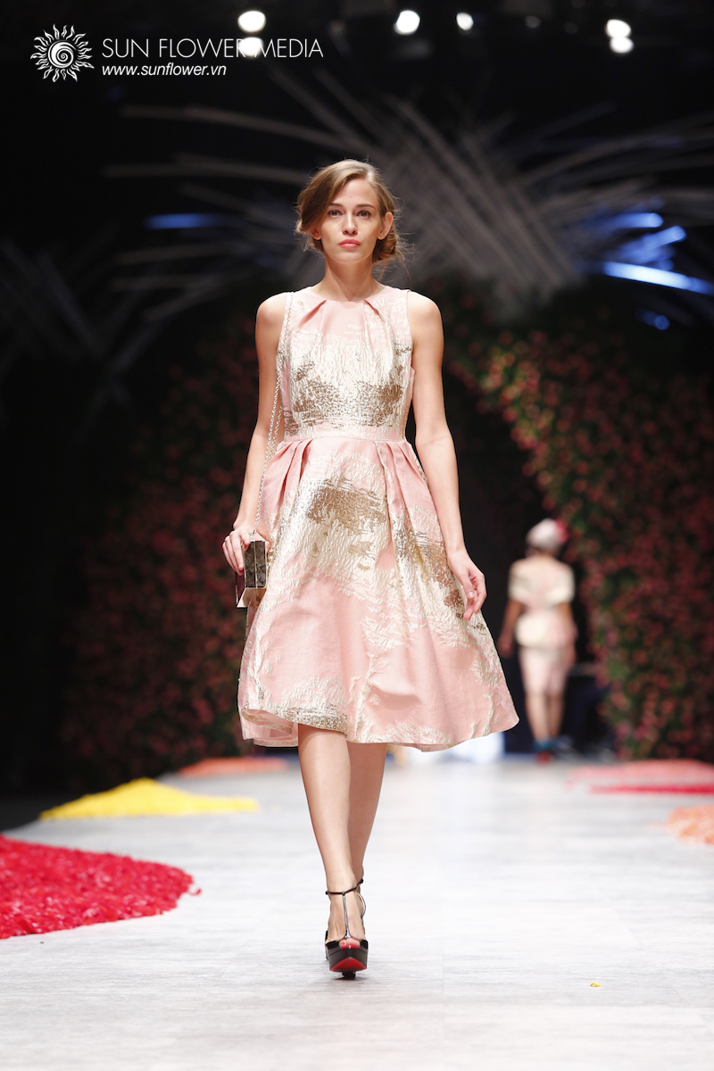 phuong-my-vietnam-international-fashion-week2015_14_7682