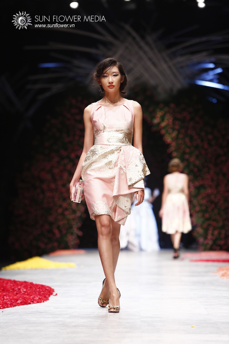 phuong-my-vietnam-international-fashion-week2015_14_7690