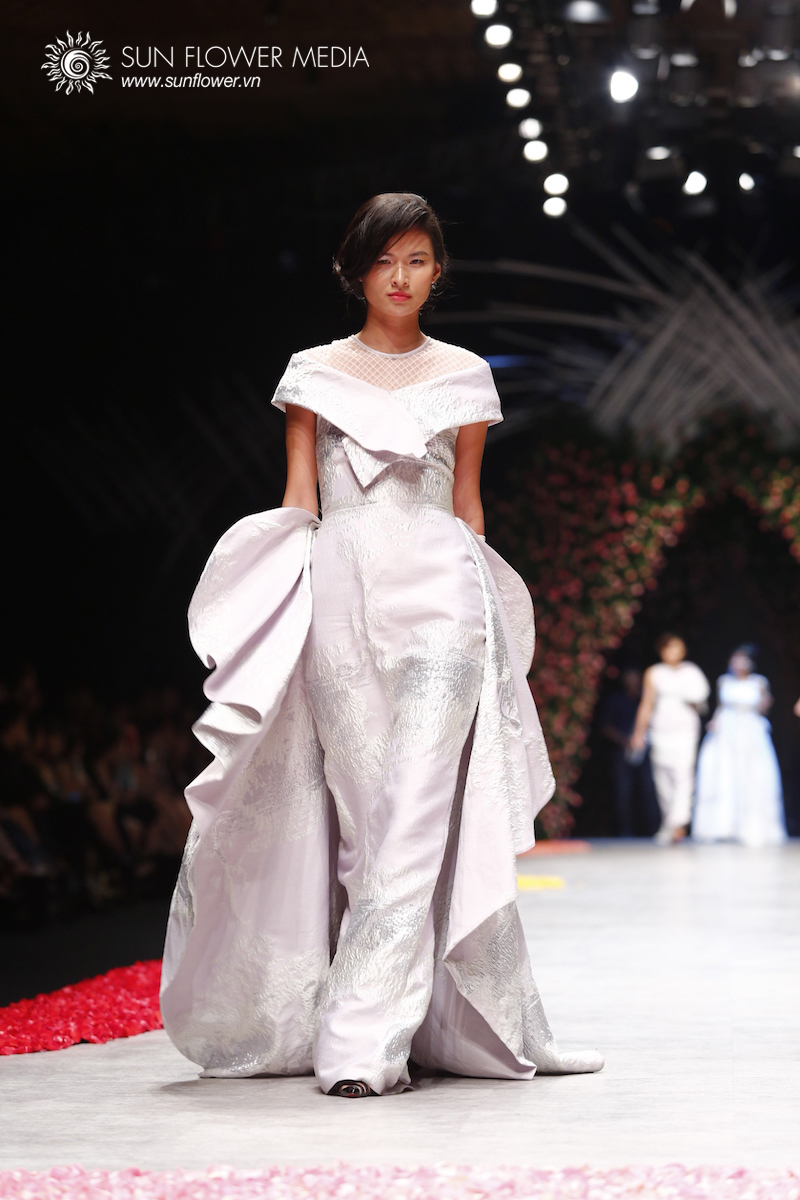 phuong-my-vietnam-international-fashion-week2015_14_7700