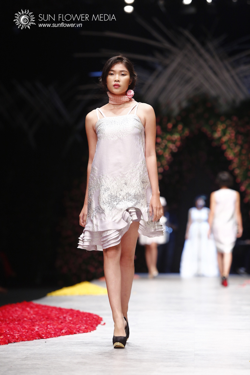 phuong-my-vietnam-international-fashion-week2015_14_7734
