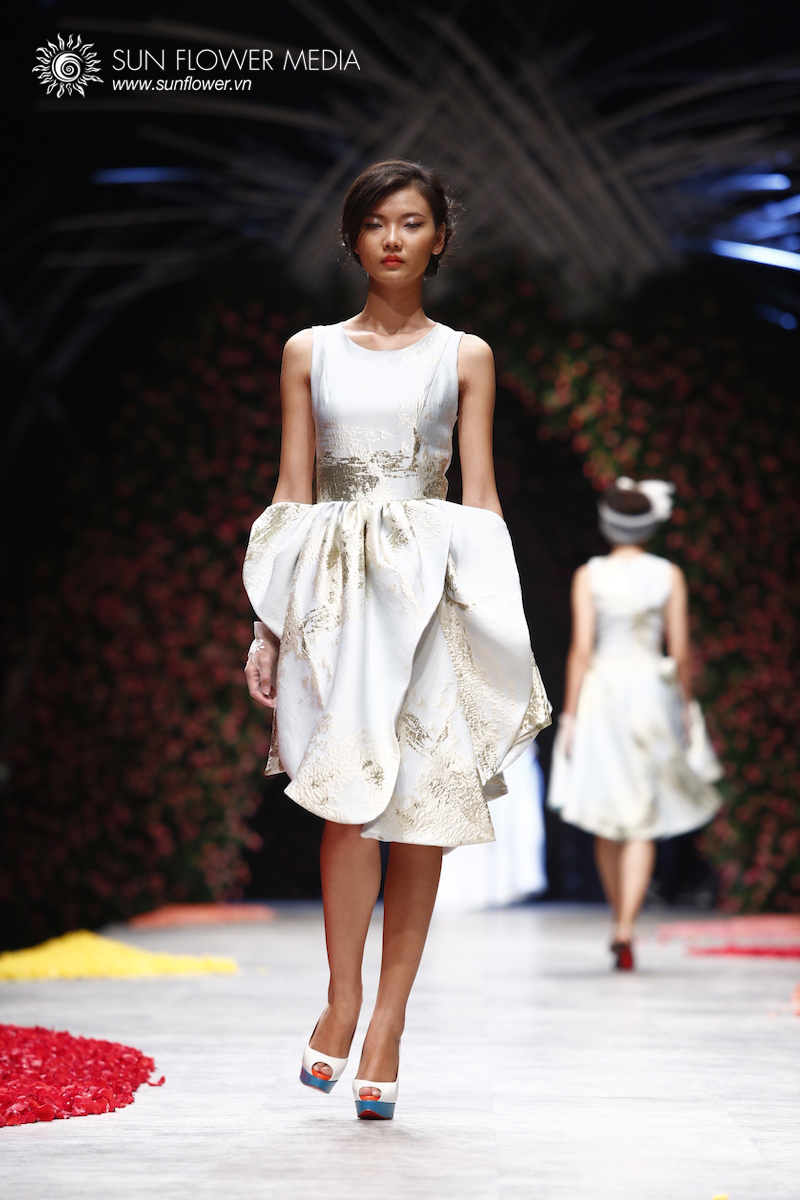 phuong-my-vietnam-international-fashion-week2015_14_7779