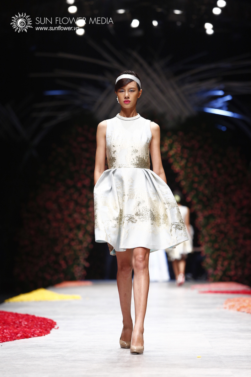 phuong-my-vietnam-international-fashion-week2015_14_7785