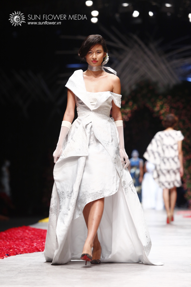 phuong-my-vietnam-international-fashion-week2015_14_7809