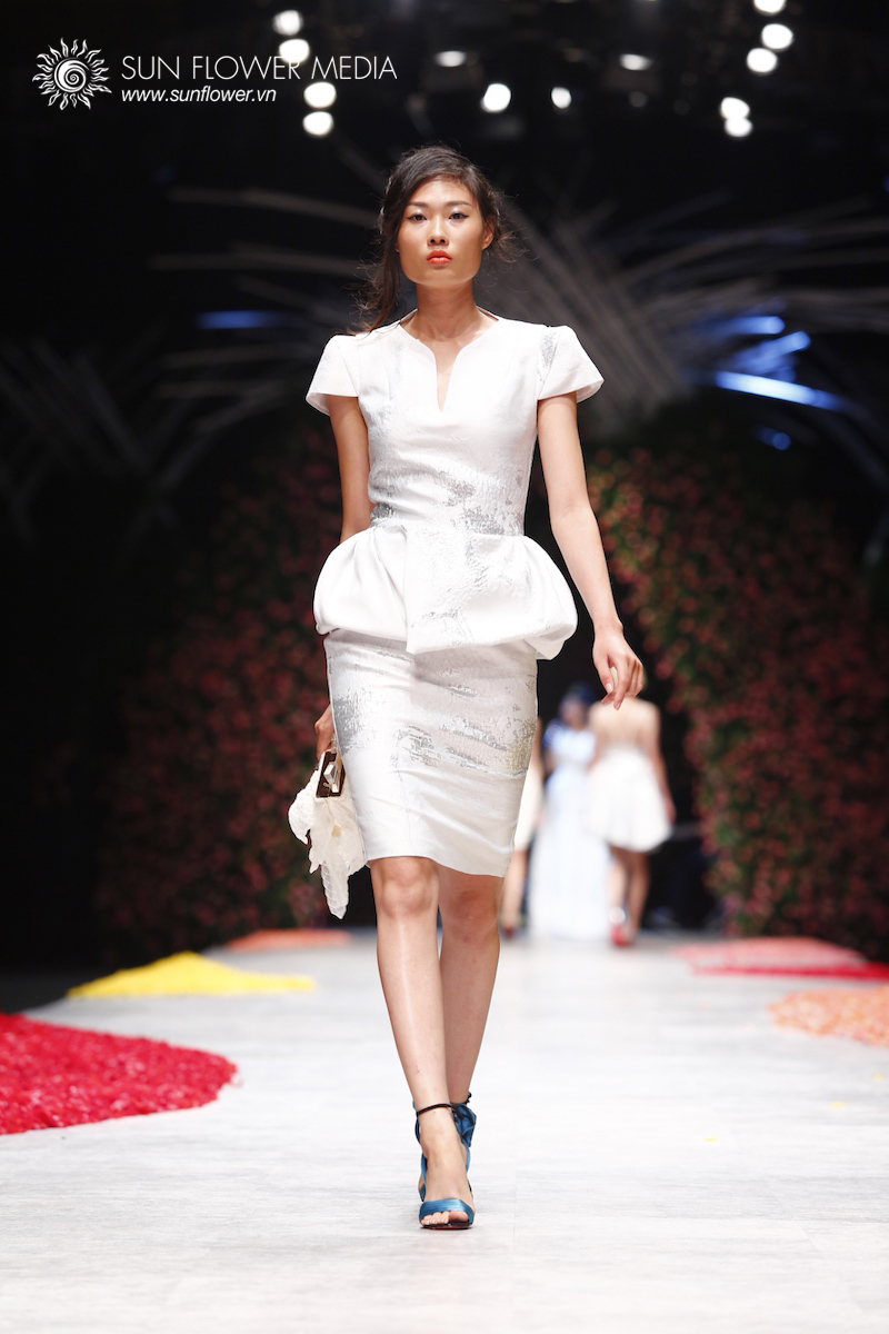 phuong-my-vietnam-international-fashion-week2015_14_7820