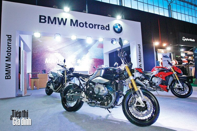 20151110-viet-nam-international-motor-show-2015-bmw-motorrad