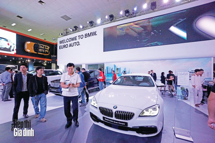 20151110-viet-nam-international-motor-show-2015-bmw