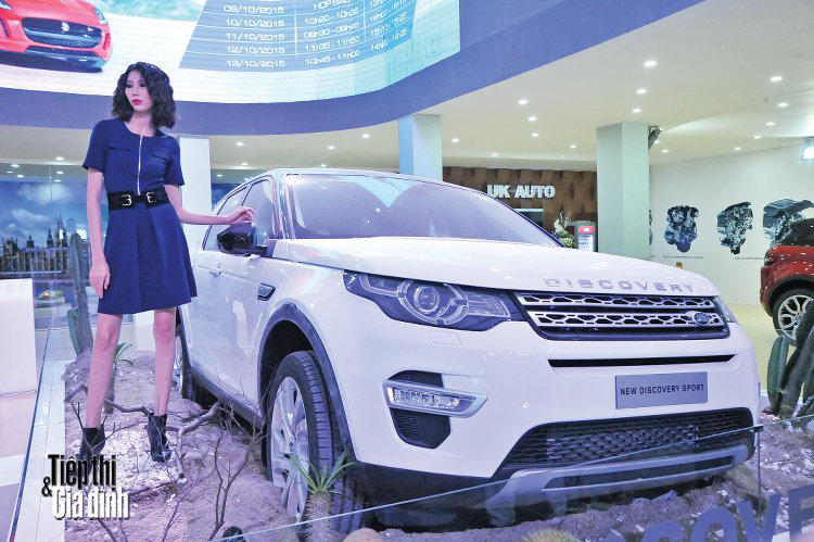 20151110-viet-nam-international-motor-show-2015-land-rover