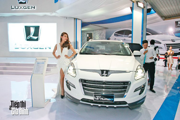 20151110-viet-nam-international-motor-show-2015-luxgen