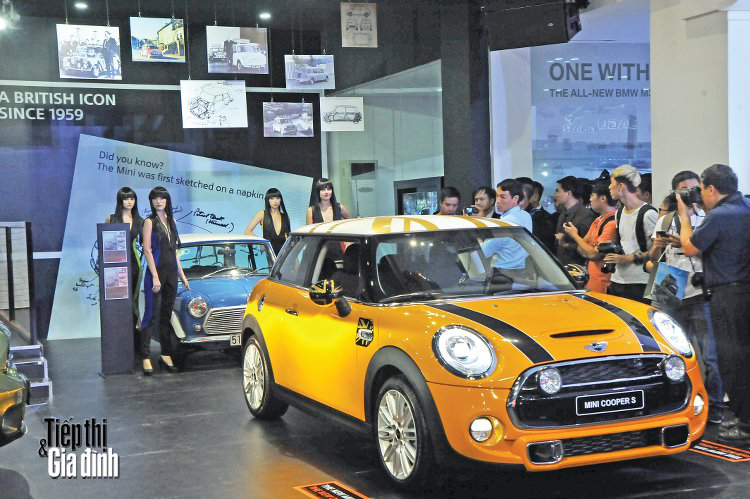20151110-viet-nam-international-motor-show-2015-mini-cooper's