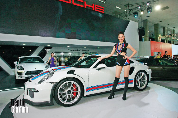 20151110-viet-nam-international-motor-show-2015-porsche