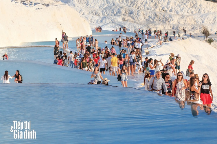 Pamukkale-hinh-anh-shutterstock-616952462