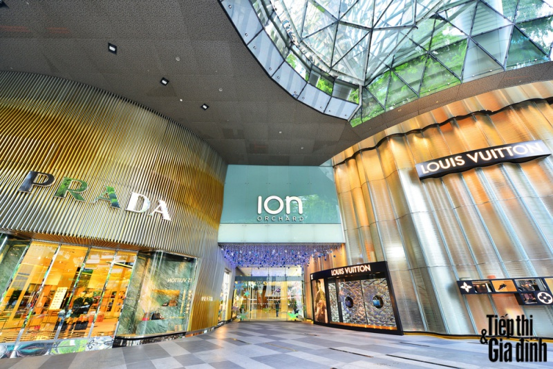 mua sắm ở singapore ion orchard